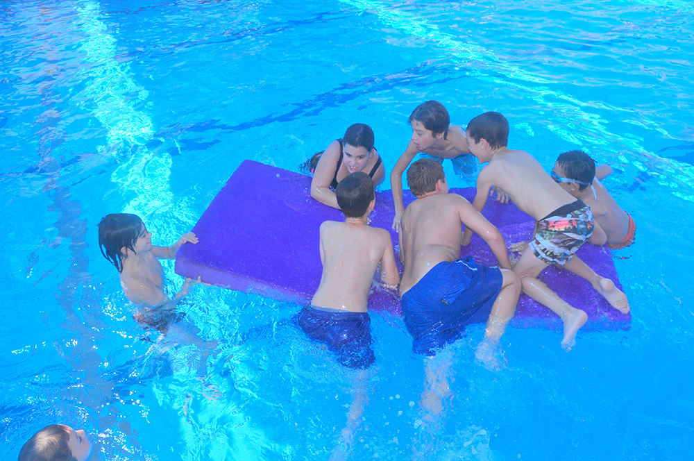 קיץ בבריכה 2017 צילום גד ק.